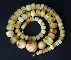 Baltic Amber necklace old honey butterscotch egg yolk colour, vintage, 31 gram.