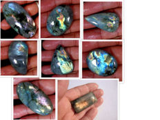 Large labradorite lot - all color flashes - 569 ct (8)