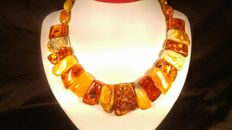 100% Genuine Baltic Amber necklace, length 42 cm, 66 grams