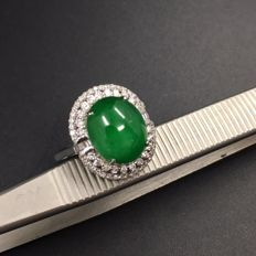 18k gold jadeite ring-diamond  weight: 0.79 ct Ring size: 14