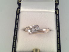 18 karat yellow gold ring with brilliant cut diamonds, 0.30 ct, ring size 16/50