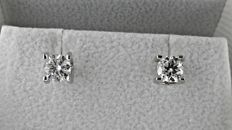 IGL 1.02 ct  round diamond stud earrings 18 kt white gold
