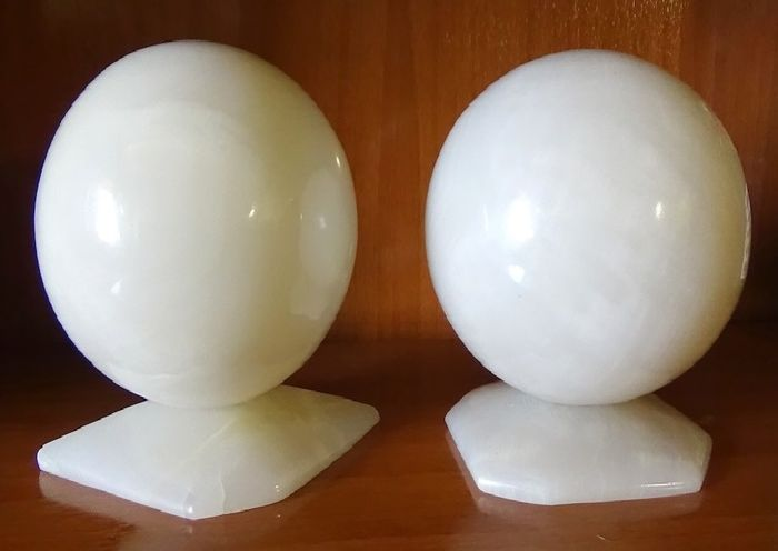 Decorative Balls Of White Marble With Stand 5 270 Kg 2 Catawiki