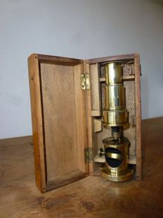 Achromatic brass drum microscope - French - ca. 1900