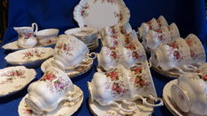 Royal Albert Lavender rose servies - 34 delig.