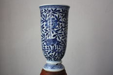 Wine beaker, floral - China - 18th century (Kangxi and period marked).