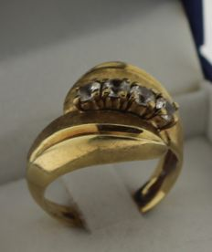 14 kt gold ring inlaid with zirconia – Ring size: 16.5