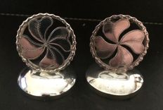 Pair of silver menu holders as 4 leaf clover, Wang Hing, China, 19th century