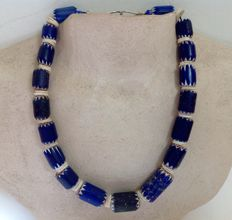 Necklace with 4-layered chevron Venetian beads and one 6 layer - Mali