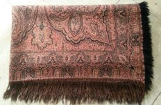Large wool shawl, Netherlands, first half 20th century  Size: 1.45m x 1.25 m