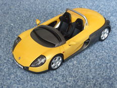 Otto Mobile - Scale 1/18 - Renault Spider - Yellow
