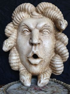 Marble sculpture depicting the head of Medusa - Italy - 20th century