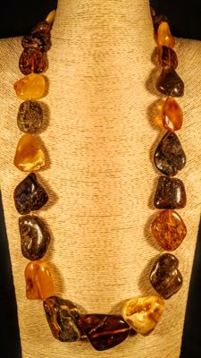 Long Italian style 100% genuine Baltic Amber necklace, length 78 cm, 104 grams