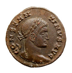 Roman Empire - Constantine I the Great (307-337 A.D.) bronze follis (2,55 grs. 19 mm.). Lugdunum mint. Struck 323 A.D. BEATA TRANQVILLITAS. PLG. R1