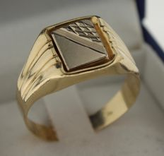 14 kt gold vintage men's signet ring