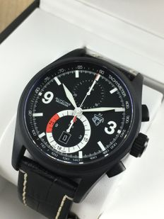 Glycine — Incursore automatic chronograph Black Jack Limited Edition — 3879.99-D9 — Men's — 2011 - present.