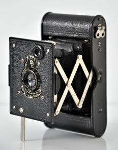 circa 1916  Kodak Vest Pocket 'Autographic Special' 127 Camera.