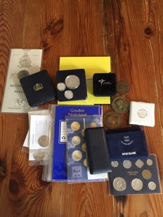 The Netherlands - Lot of various commemorative coins, annual sets, commemorative sets and medals, including silver