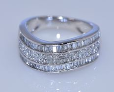 1.63 ct baguette Diamond ring - No reserve price!