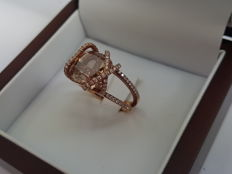 18 K Gold Cocktail ring set with a natural certified cognac diamond of 7.83 ct.- 1.20 ct F - VS