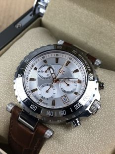Guess — Diver Chic Chronograph Swiss — X58005G1S — Men's — 2011 - present
