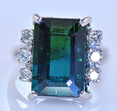 8.50 ct Blue green Tourmaline with Diamond ring - No reserve price!