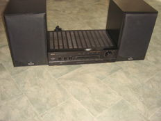 Akai AM-16  Amplifier + Magnat Speakers