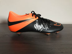 Dimitri Payet autographed Nike shoe + photo of the signing time + certificate of authenticity