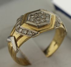 14 kt Gold ring inlaid with diamond, 0.22 ct – Ring size: