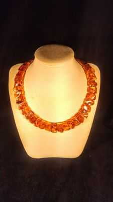 Genuine Baltic Amber necklace, length ca. 50 cm, 58 grams