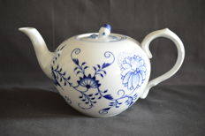 Meissen - Blue onion teapot - Mint condition