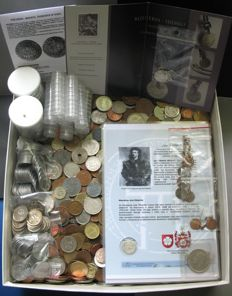World - Lot (± 7 kg, and 2000 coins) - including silver