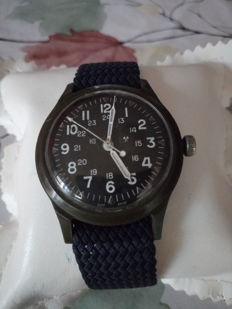 Benrus H3 military, assigned to US troops during the Vietnam War – Men's wristwatch – From March 1975.