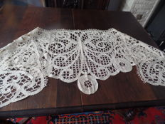 Large shawl in Bruges lace - Belgium - late 19th century