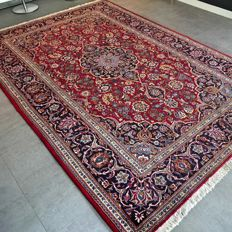 Wonderful, royal, Kashan Persian rug - 312 x 202 - very good condition - with certificate