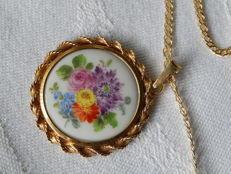 Ladies necklace with Meissen porcelain