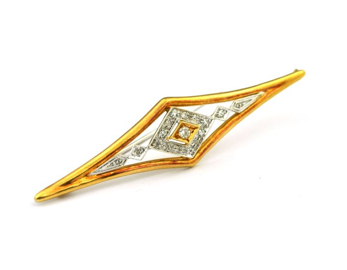 Antique Diamond Brooch (total +/-0.35ct Hi Color/ SI Purity) set on 18karat/750 White & Yellow Gold - Size (67mm x 16mm)