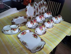 Complete 40-piece Royal Albert breakfast set