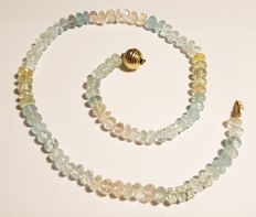 Necklace made of beryl – Gold clasp in 14 kt – 43.5 cm