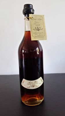 Very old cognac Hors d'Âge André Petit -  Blend of Vintages 1870 & 1914