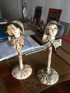 Lot 3 pieces Art Deco hat holders, circa 1930-1940