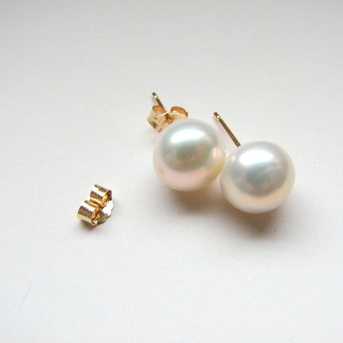 Yellow gold 14 ct  earrings with freshwater  pearls colour white, 6 mm diameter