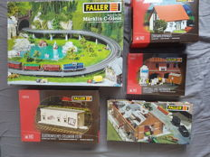 Faller H0 - 120470/120216/180624/130316/180601 - Set of slip roads/electronic signal box/ single-family-home/plaster silo and site hut