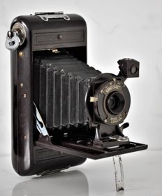 1933 Soho  ' The Soho Cadet'  Bakelite Folding Camera.