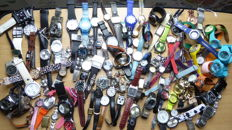Verzameling van 107 Horloges van o.a Casio,Aviation,Fond,Anker,Regal,Geneva,Pierre Montreux,Bell&Ross