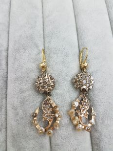 Earrings from 1950s with pearls and rose cut diamonds, made in Italy