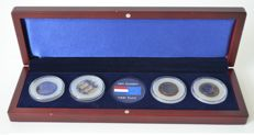 """The Netherlands – Coin set """"From the guilder to the Euro"""" (4 coins)."""