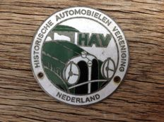 3 dated car Badges. Singer Owners  Club.   -  Historische Automobielen Vereniging