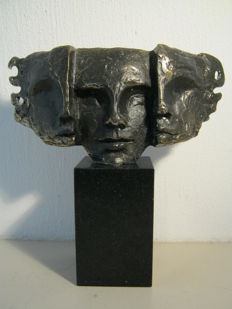 "Bernadette Leijdekkers - Signed bronze sculpture on marble base - ""Nieuwe Visie"""
