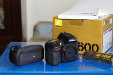 NIKON DSLR D600 with a BOX + Nikon MB-D14 Battery Grip.